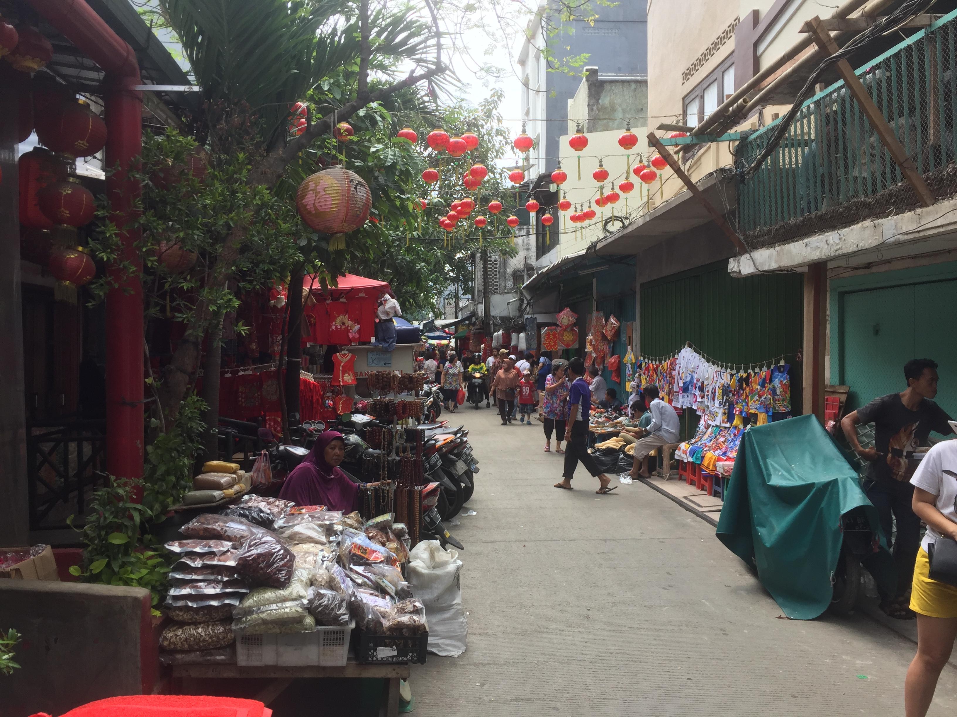 Menikmati Gang Gloria Dan Petak 9 Glodok Dari Kuliner Hingga In Pasar Petak Sembilan Daftar Wisata Menarik Yang Bisa Dikunjungi Saat Imlek Di Jakarta