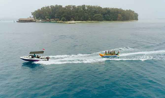 keindahan alam Pulau Pelangi
